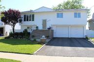 245 W Links Dr Oceanside NY, 11572