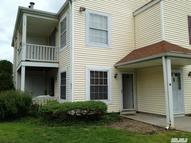 35 Fairview Cir Middle Island NY, 11953