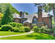 104 Hammondswood Rd Chestnut Hill MA, 02467