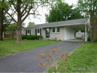 313 North Meadow Lane Steeleville IL, 62288