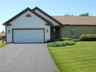40 Montgomery Dr Canfield OH, 44406