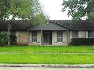 5327 Oak Cove Dr Houston TX, 77091