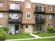 9477 Bay Colony Drive 2n Des Plaines IL, 60016