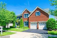 42578 Pelican Drive Chantilly VA, 20152