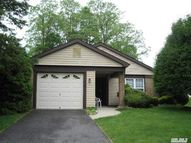442 Kingston Dr Ridge NY, 11961