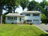 74 W Cedar St Livingston NJ, 07039