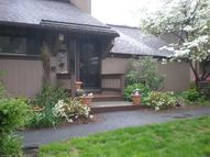 45 Crocus Ln Farmington CT, 06032