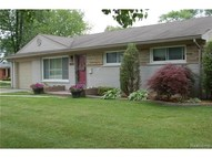 21224 Stanley Saint Clair Shores MI, 48081