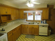 150 Carringer Place Wood River IL, 62095