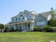 57 Deer Ln Manorville NY, 11949