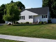 38 Stratton Dr Cheshire CT, 06410