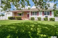 60 Champlain Ave Bellport NY, 11713
