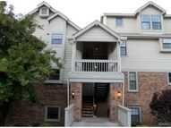 2308 Yellowstone Park Court F Maryland Heights MO, 63043