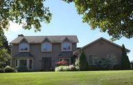8239 W Hillview Dr Mequon WI, 53097