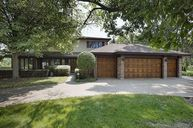 1641 East Course Drive Riverwoods IL, 60015