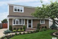 2516 Mermaid Ave Wantagh NY, 11793