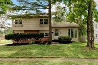 3389 Clearview Avenue Columbus OH, 43221