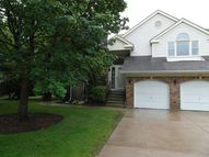 255 Willow Parkway Buffalo Grove IL, 60089