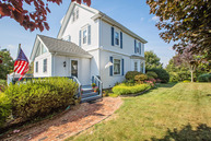 9 Jh Dwyer Dr Middletown RI, 02842