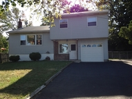 54 Donna Dr Bloomfield NJ, 07003