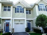 124 Jackie Ct Patchogue NY, 11772