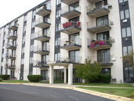 9074 West Terrace Drive 4g Niles IL, 60714