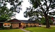 1643 Shadow Bend Dr Houston TX, 77043
