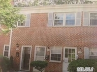 705 Towne House Dr Hauppauge NY, 11749