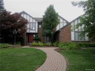 1715 Carpenter Drive Troy MI, 48098