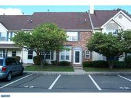 58 Colleen Ct Kendall Park NJ, 08824