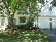 1538 Apple Grove Lane Westmont IL, 60559