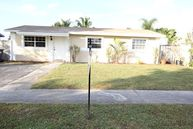 7203 Sw 4th Ct North Lauderdale FL, 33068