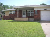 728 Hedge Dr. Midwest City OK, 73110