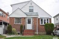 83-32 258th St Floral Park NY, 11004