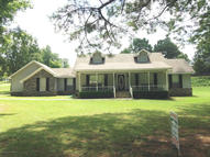 150 Holly St Winfield AL, 35594