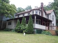 51 Canterbury Main Delaware Water Gap PA, 18327