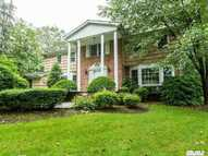 26 Stepping Stone Cres Dix Hills NY, 11746