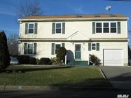173 Kime Ave North Babylon NY, 11703