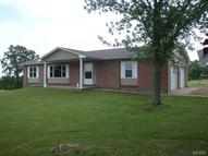 1742 Rock Road Bourbon MO, 65441