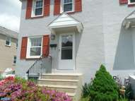 240 Crum Creek Dr Woodlyn PA, 19094