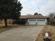 813 Mccurry Ave Bedford TX, 76022