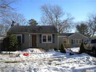 104 Sycamore St Brentwood NY, 11717