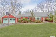 49 Green Meadow Ln Huntington NY, 11743