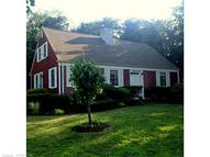 17 Winthrop Rd Gales Ferry CT, 06335