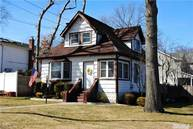 17 Oak St Nesconset NY, 11767