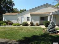 701 Bentley Ct Saint James NY, 11780