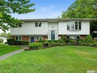 735 Old Bethpage Rd Old Bethpage NY, 11804