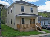 712 Second Street Mount Hope WV, 25880