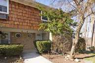 8 Harbour Ln Oyster Bay NY, 11771