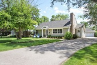 2105 Robincrest Lane Glenview IL, 60025